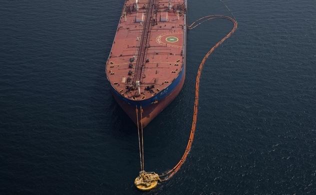 Thị trường dầu trong tay Trump, Putin và Bin Salman