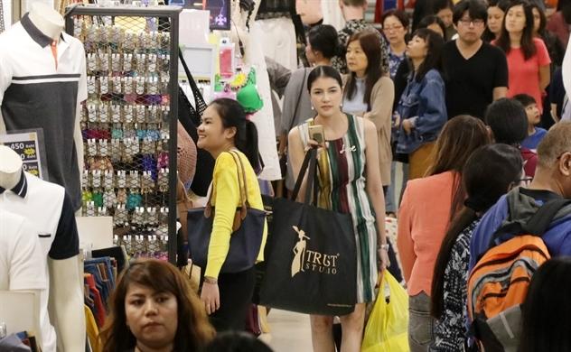 Đông Nam Á tăng trưởng chậm lại vì chiến tranh thương mại