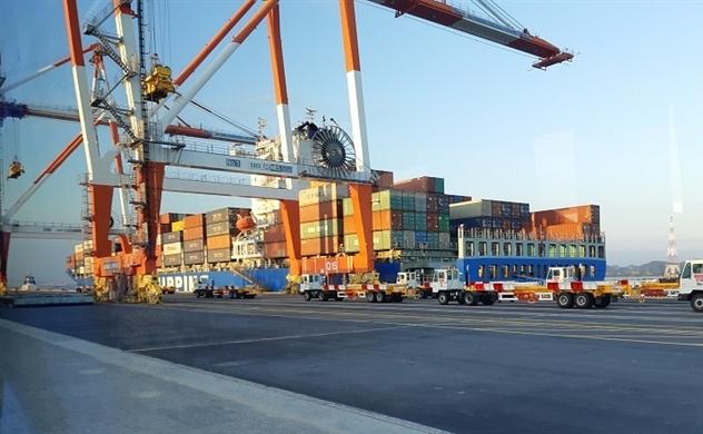 Hạ tầng logistics hạn chế kết nối vùng tăng trưởng kinh tế