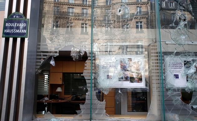 Kinh tế Pháp thiệt hại nặng vì bạo loạn
