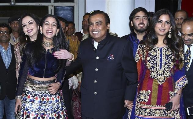 Đám cưới xa hoa nhất châu Á trị giá 100 triệu USD