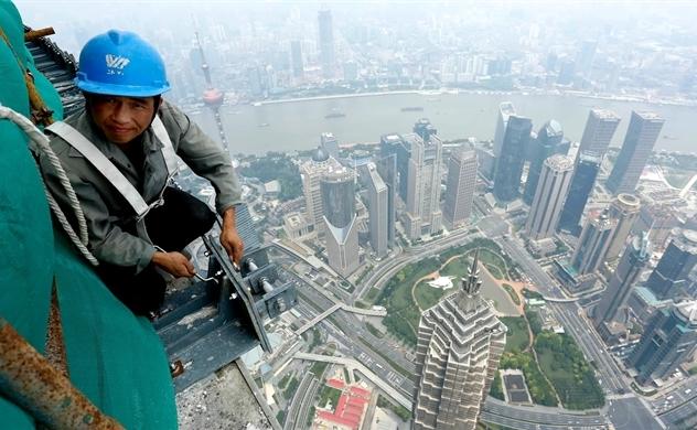 Trung Quốc mạnh tay cắt giảm thuế để chặn đà trượt dốc kinh tế