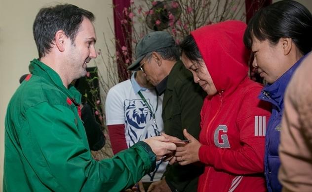 Heineken trao hơn 200 phần quà cho gia đình khó khăn ở Hà Nội