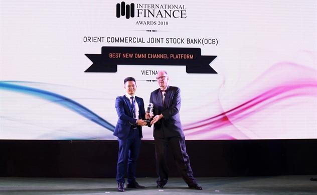 IFM trao tặng giải thưởng Ngân hàng số đột phá năm 2018 cho OCB