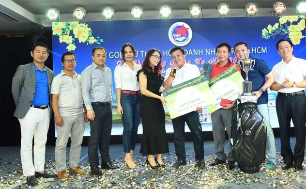 Giải Golf từ thiện YBA: Trao 1.000 phần quà Tết cho công nhân