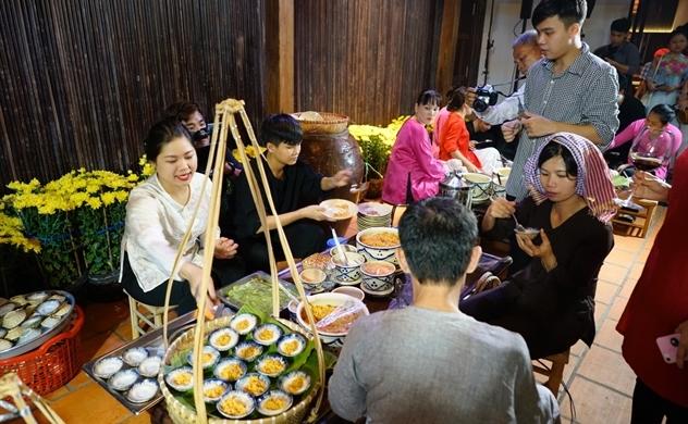 Bếp Nhà Lục Tỉnh kể chuyện Tết xưa