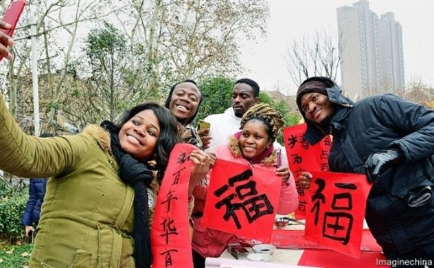 Trung Quốc vung tiền, hút sinh viên nước ngoài
