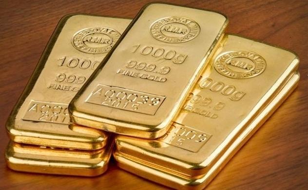 Giá vàng châu Á chạm ngưỡng cao