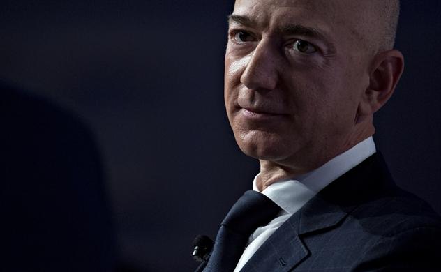 Kịch tính như bê bối của ông chủ Amazon