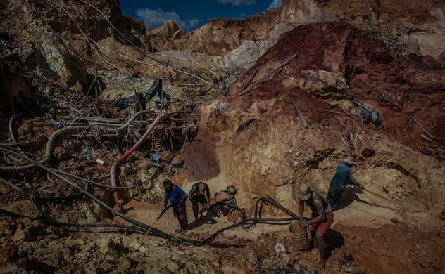 Venezuela còn 10.000 tấn vàng chưa được khai thác?