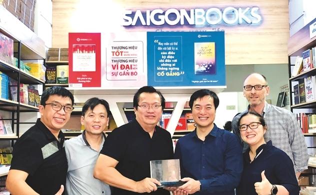Nguyễn Tuấn Quỳnh: Vào sách tìm mình