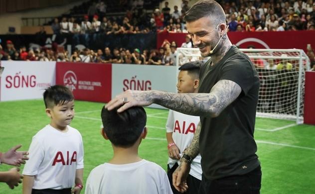 """Danh thủ David Beckham giao lưu người hâm mộ Việt Nam tại """"Sống"""" Festival"""