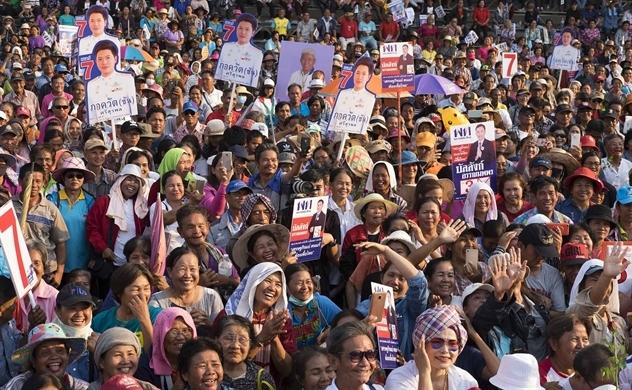 Ông Thaksin vẫn chi phối bầu cử Thái Lan