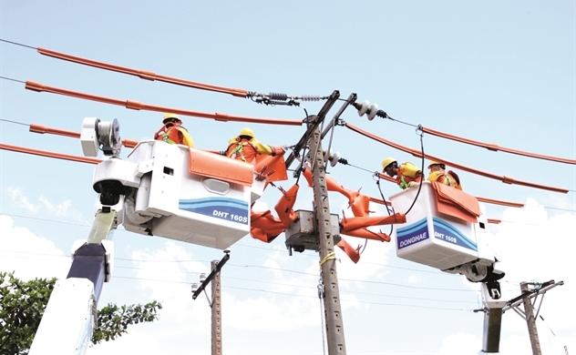 Ai chịu giá điện cao?