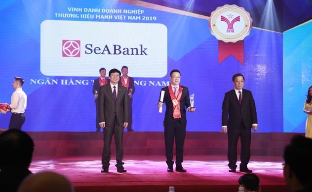 SeABank đón nhận liên tiếp nhiều giải thưởng