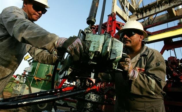 Thị trường dầu đối mặt với 3 kịch bản ở Venezuela