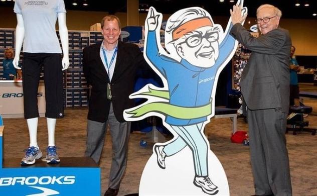 Hãng giày của huyền thoại Buffett sẽ chuyển phần lớn sản xuất từ Trung Quốc sang Việt Nam