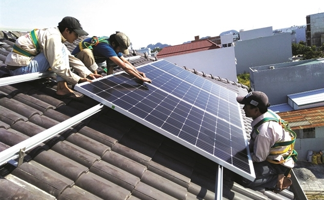 Điện mặt trời: 1 vốn, 4 lời