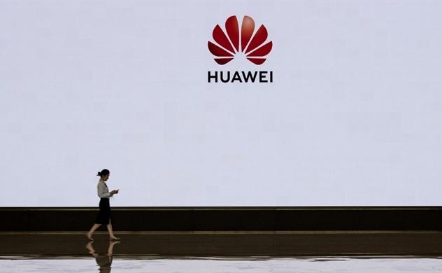 Foxconn ngừng một số dây chuyền sản xuất điện thoại Huawei?