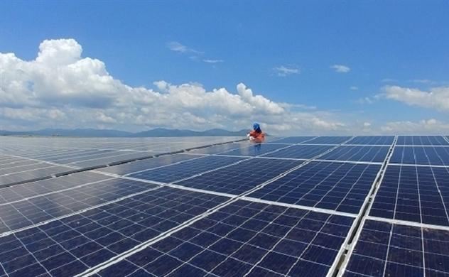 Hơn 30 nhà máy điện mặt trời sẽ vận hành trong tháng 6