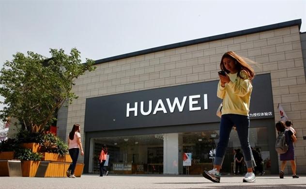 Một số hãng công nghệ lớn yêu cầu nhân viên hạn chế trao đổi với Huawei?