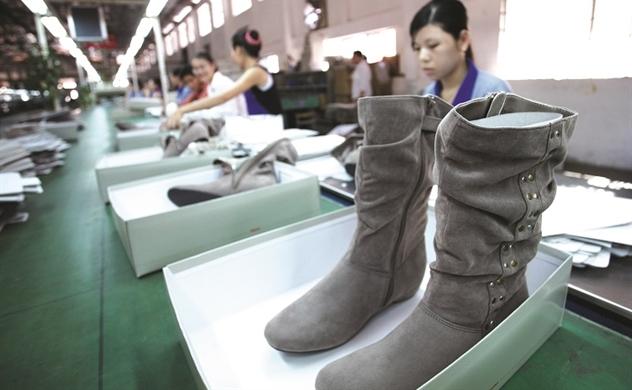 Giày Việt lo chiến tranh thương mại