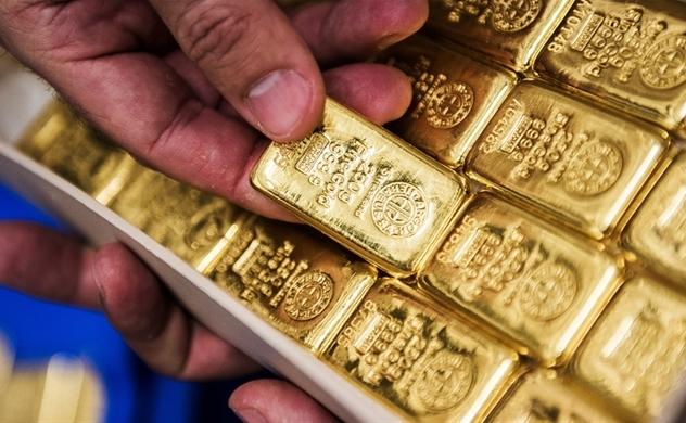 Giá vàng hôm nay 25/6: Giá vàng tiếp tục lập đỉnh cao mới