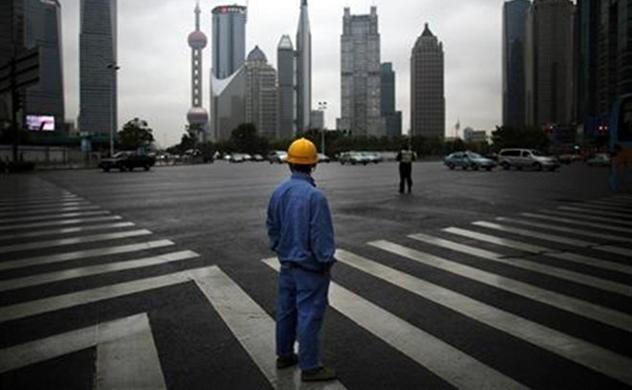 Tăng cho vay để kích thích kinh tế, nợ của Trung Quốc tăng mạnh