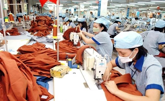 Đơn hàng giảm 30%, xuất khẩu dệt may khó cán đích