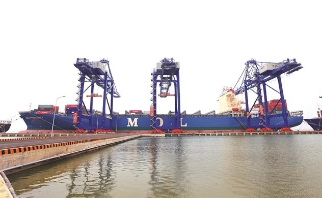 Logistics  đón sóng Hàn, Nhật