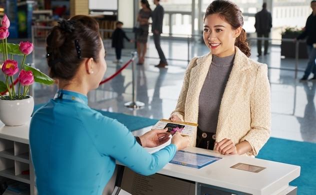 Hội viên Bông Sen Vàng được thêm đặc quyền thanh toán vé máy bay