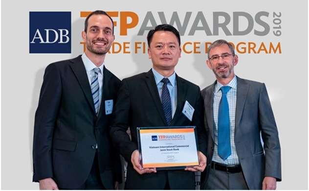 VIB được ADB vinh danh là Ngân hàng hàng đầu về tài trợ thương mại cho doanh nghiệp SME