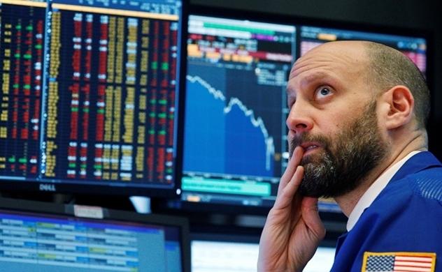 Thị trường chứng khoán Mỹ giảm mạnh vì dữ liệu sản xuất yếu nhất trong 10 năm