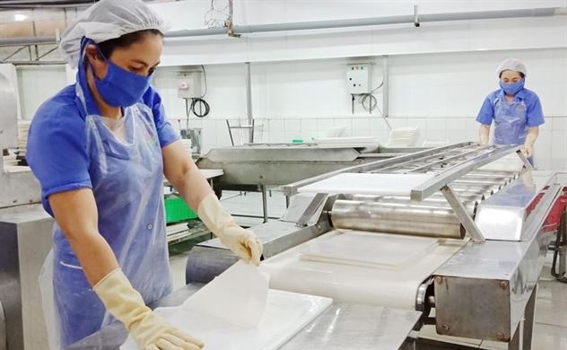 Ống hút làm từ nước dừa: Đa dạng hóa sản phẩm dừa và giảm thiểu rác thải nhựa