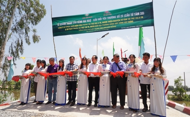 Tiền Phong Nam khánh thành cầu nối yêu thương tại Đồng Tháp