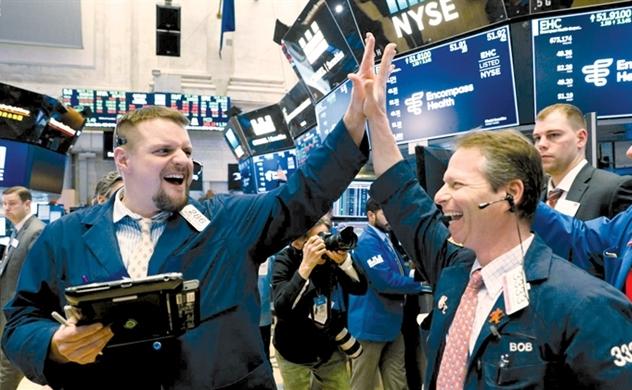 Thị trường chứng khoán Mỹ tăng mạnh khi tỷ lệ thất nghiệp thấp kỉ lục