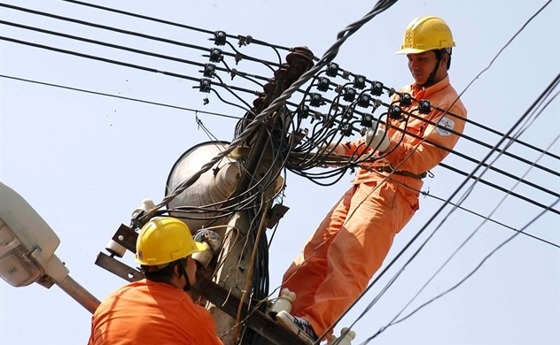 Thiếu hụt điện, Việt Nam sắp phải tăng nhập điện từ Trung Quốc?
