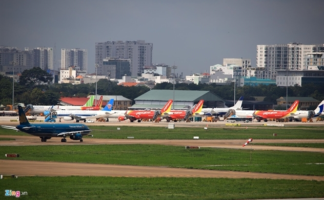 Vietnam's air carriers cry foul for parking spaces: Zing