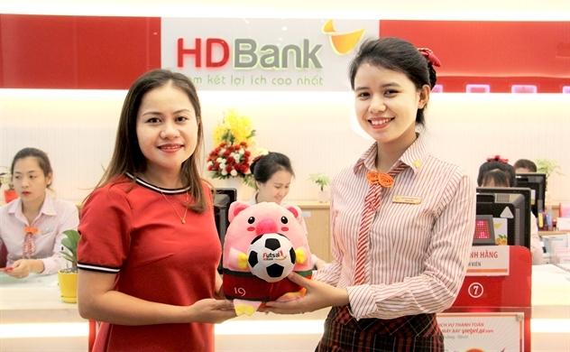 Gửi tiết kiệm nhận quà hấp dẫn, đồng hành cùng giải Futsal HDBank Đông Nam Á