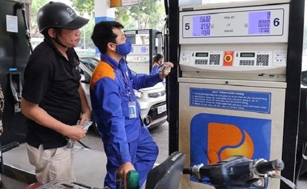 Sau kỳ tăng sốc, giá xăng và giá dầu hạ nhiệt