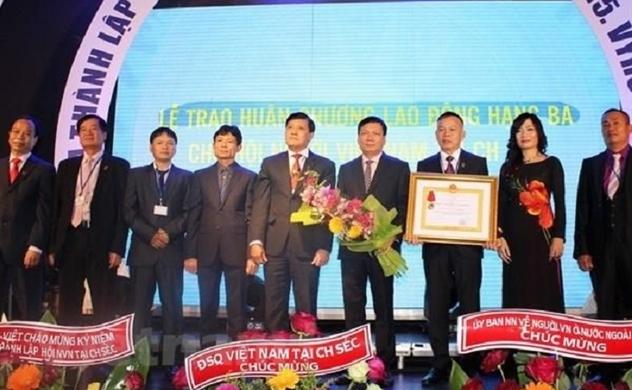 Chủ tịch Nguyễn Phú Bình gửi thư mừng Hội người Việt Nam tại Sec