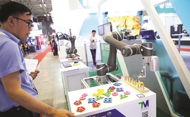 Cheap labor cost makes Vietnam robot market unattractive