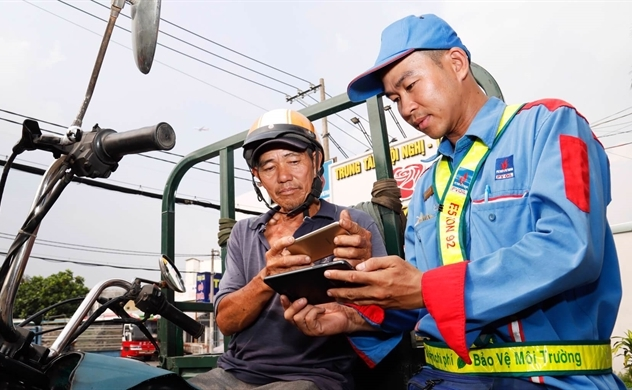 Cooperating with MoMo, PVOIL aims to double cashless fuel sales