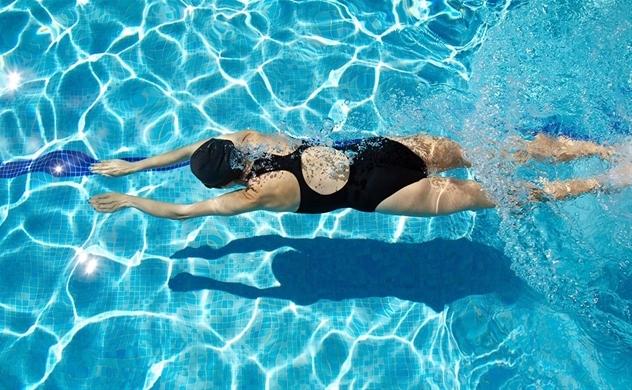 Bơi lội: Môn thể thao tốt nhất cho bệnh khớp