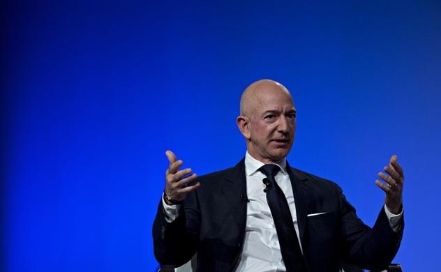 Cổ phiếu Amazon giảm mạnh, Jeff Bezos mất ngôi người giàu nhất thế giới