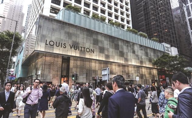 Hàng xa xỉ: Dior, Louis Vuitton vẫn sống tốt, Hugo Boss, Tiffany chật vật