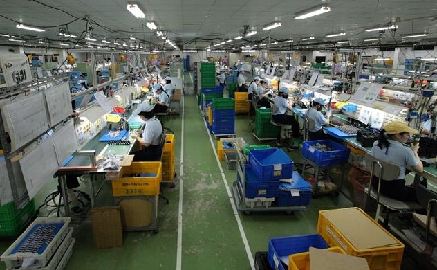 PMI ngành sản xuất của Việt Nam tháng 10 tiếp tục giảm về 50 điểm