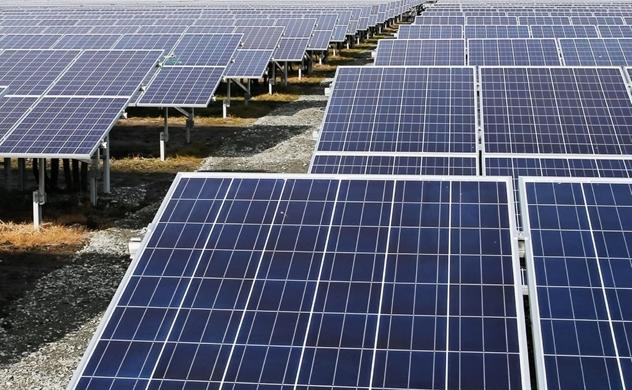 8 năm sau trận động đất - sóng thần lịch sử, Fukushima được tái sinh thành trung tâm năng lượng mặt trời và gió