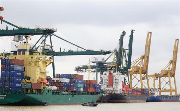 Capital Economics: Tăng trưởng GDP của Việt Nam sẽ giảm hơn 1% nếu bị Mỹ áp thuế 25% như với hàng Trung Quốc