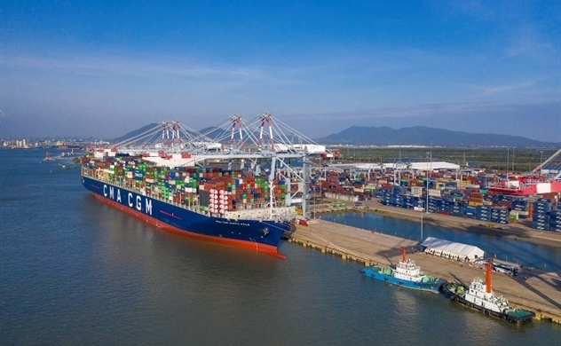 Vietnam minds Bloomberg's warning of $4 bln shortage for port upgrade